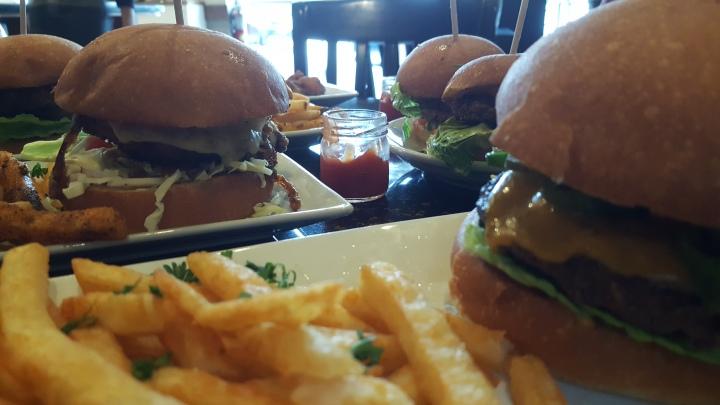Cozee Cafe burger