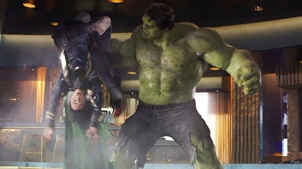 hulk-smashing-loki-avengers-1133866-1280x0