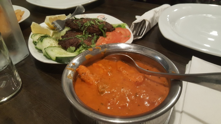 Tandoori masala curry with chapli kabob